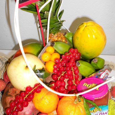 Idée corbeille papaye- ananas -mangue -litchi- confiture